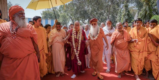 Визит Далай-ламы в ашрам Шри Удасина Каршни