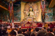 Его Святейшество Далай-лама дарует наставления во время церемонии празднования 21-й годовщины со дня открытия института Норбулинка. Дхарамсала, Индия. 9 марта 2017 г. Фото: Тензин Чойджор (офис ЕСДЛ)