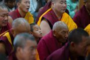 Тибетские монахи во время учений Его Святейшества Далай-ламы. Дхарамсала, Индия. 14 марта 2017 г. Фото: Тензин Чойджор (офис ЕСДЛ)