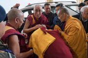 Его Святейшество Далай-лама прибывает в монастырь Тхупсунг Дхаргьелинг. Диранг, штат Аруначал-Прадеш, Индия. 5 апреля 2017 г. Фото: Тензин Чойджор (офис ЕСДЛ)