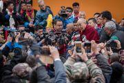 По завершении учений в Парке Будды Его Святейшество Далай-лама отвечает на вопросы журналистов. Бомдила, штат Аруначал-Прадеш, Индия. 5 апреля 2017 г. Фото: Тензин Чойджор (офис ЕСДЛ)