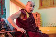 Его Святейшество Далай-лама обращается к журналистам во время пресс-конференции в храме Йига Чойзин. Таванг, штат Аруначал-Прадеш, Индия. 8 апреля 2017 г. Фото: Тензин Чойджор (офис ЕСДЛ)