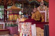 Его Святейшество Далай-лама дарует учения на площадке при храме Йига Чойзин. Таванг, штат Аруначал-Прадеш, Индия. 10 апреля 2017 г. Фото: Тензин Чойджор (офис ЕСДЛ)