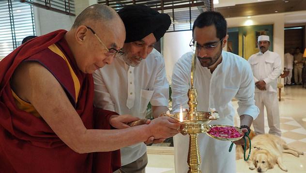 Далай-лама выслушал отчет рабочего комитета по созданию учебной программы преподавания общечеловеческих ценностей