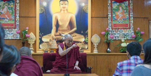 Далай-лама встретился со студентами в Дхарамсале