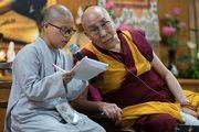 Далай-лама провел интерактивную встречу с буддистами из Вьетнама