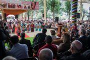 Артистки Тибетского института театральных искусств поют песню о женской эмансипации в ходе встречи, организованной в главном тибетском храме по случаю визита двухпартийной делегации конгресса США. Дхарамсала, Индия. 10 мая 2017 г. Фото: Тензин Чойджор (офис ЕСДЛ)