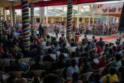 Сикьонг (глава Центральной тибетской администрации) Лобсанг Сенге выступает с обращением во время встречи, организованной в главном тибетском храме по случаю визита двухпартийной делегации конгресса США. Дхарамсала, Индия. 10 мая 2017 г. Фото: Тензин Чойджор (офис ЕСДЛ)