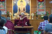 Его Святейшество Далай-лама беседует со студентами из США, Канады и Индии в своей резиденции. Дхарамсала, Индия. 19 мая 2017 г. Фото: Тензин Пунцок (офис ЕСДЛ)