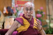Его Святейшество Далай-лама дарует наставления в ходе первого дня двухдневной интерактивной встречи с буддистами из Вьетнама. Дхарамсала, Индия. 30 мая 2017 г. Фото: Тензин Чойджор (офис ЕСДЛ)