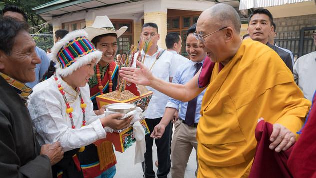 В Тхекчен Чолинге начались ежегодные учения Далай-ламы для тибетской молодежи