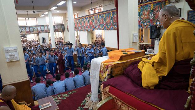 Төвөдийн хүүхэд залуучуудад зориулан айлдаж буй номын айлдварын хоёр дахь өдөр
