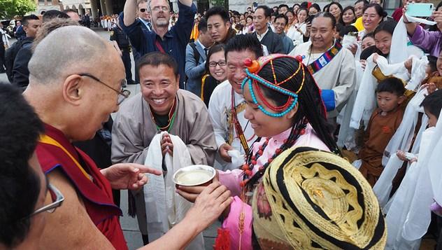 Далай-лама прибыл в клинику Майо в Рочестере