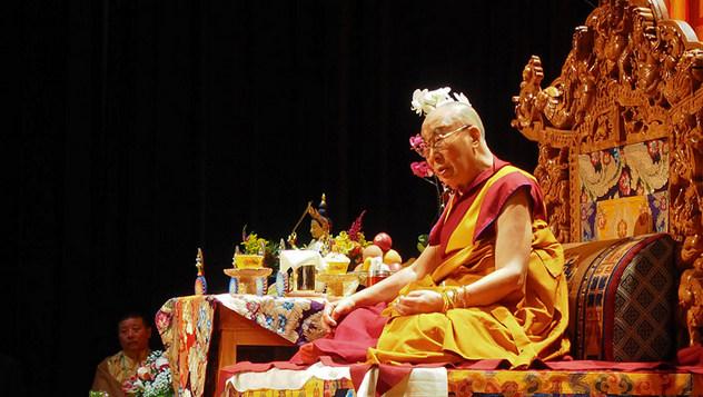 Далай-лама встретился с тибетцами в Миннеаполисе и отправился в Бостон