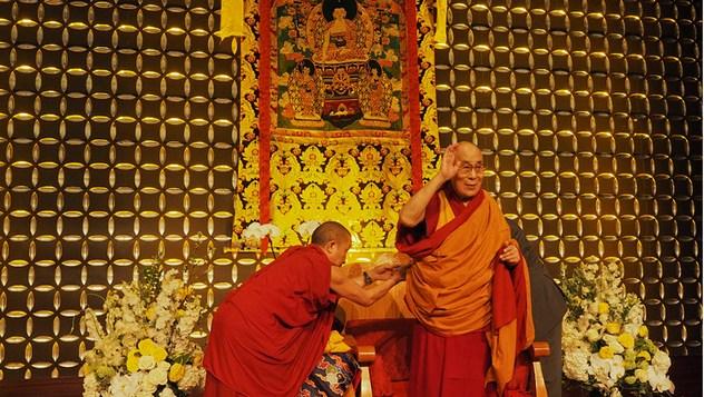 Далай-лама выступил перед двумя тысячами тибетцев в Бостоне