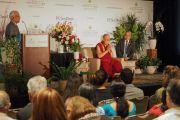 Его Святейшество Далай-лама во время встречи с представителями местного индийского сообщества. Сан-Диего, штат Калифорния, США. 18 июня 2017 г. Фото: Джереми Рассел (офис ЕСДЛ)