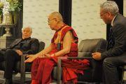 Его Святейшество Далай-лама выступает с обращением во время встречи с сотрудниками компании «Слуховые технологии Старки». Миннеаполис, штат Миннесота, США. 22 июня 2017 г. Фото: Джереми Рассел (офис ЕСДЛ)