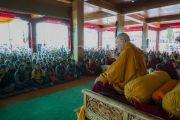 Его Святейшество Далай-лама дарует в монастыре Дискет наставления учащимся школ долины Нубра. Дискет, долина Нубра, штат Джамму и Кашмир, Индия. 11 июля 2017 г. Фото: Тензин Чойджор (офис ЕСДЛ)