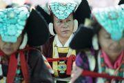 Ладакские женщины в традиционных одеяниях во время первого дня учений Его Святейшества Далай-ламы в монастыре Дискет. Дискет, долина Нубра, штат Джамму и Кашмир, Индия. 11 июля 2017 г. Фото: Тензин Чойджор (офис ЕСДЛ)