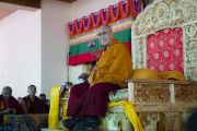 Его Святейшество Далай-лама во время встречи с учащимися школ долины Нубра. Дискет, долина Нубра, штат Джамму и Кашмир, Индия. 11 июля 2017 г. Фото: Тензин Чойджор (офис ЕСДЛ)