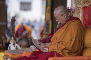 Его Святейшество Далай-лама во время второго дня учений по сочинению Камалашилы «Ступени созерцания». Дискет, долина Нубра, штат Джамму и Кашмир, Индия. 12 июля 2017 г. Фото: Тензин Чойджор (офис ЕСДЛ)