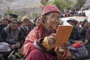 Верующие во время заключительного дня учений Его Святейшества Далай-ламы в монастыре Дискет. Дискет, долина Нубра, штат Джамму и Кашмир, Индия. 13 июля 2017 г. Фото: Тензин Чойджор (офис ЕСДЛ)
