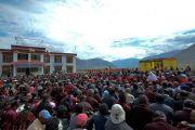 Вид на площадку перед Занскарским исследовательским институтом здравоохранения и традиционной тибетской медицины (сова ригпа) во время лекции Его Святейшества Далай-ламы. Занскар, штат Джамму и Кашмир, Индия. 16 июля 2017 г. Фото: Лобсанг Церинг (офис ЕСДЛ)