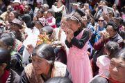 Верующие слушают наставления Его Святейшества Далай-ламы в монастыре Матхо. Ле, Ладак, штат Джамму и Кашмир, Индия. 20 июля 2017 г. Фото: Тензин Чойджор (офис ЕСДЛ)