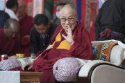 Его Святейшество Далай-лама приветствует собравшихся во время визита в комплекс Синдху Даршан. Ле, Ладак, штат Джамму и Кашмир, Индия. 27 июля 2017 г. Фото: Тензин Чойджор (офис ЕСДЛ)