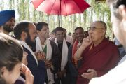 Его Святейшество Далай-лама во время встречи с представителями вооруженных сил Индии в своей резиденции в Шивацель. Ле, Ладак, штат Джамму и Кашмир, Индия. 27 июля 2017 г. Фото: Тензин Чойджор (офис ЕСДЛ)