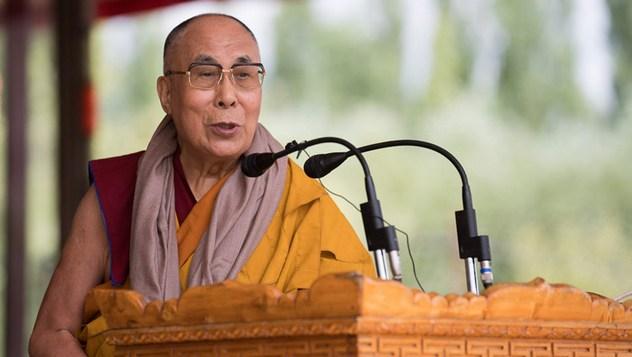 Далай-лама завершил учения по поэме Шантидевы «Путь бодхисаттвы» и даровал посвящение долгой жизни Белой Тары