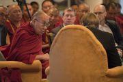 Его Святейшество Далай-лама во время первого дня диалога с российскими учеными «Природа сознания». Нью-Дели, Индия. 7 августа 2017 г. Фото: Тензин Чойджор (офис ЕСДЛ)