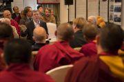 Профессор Юрий Александров выступает с докладом в ходе первого дня диалога Его Святейшества Далай-ламы с российскими учеными «Природа сознания». Нью-Дели, Индия. 7 августа 2017 г. Фото: Тензин Чойджор (офис ЕСДЛ)