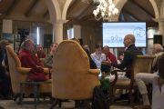 Дмитрий Волков выступает с докладом во время второго дня диалога Его Святейшества Далай-ламы с российскими учеными «Природа сознания». Нью-Дели, Индия. 8 августа 2017 г. Фото: Тензин Чойджор (офис ЕСДЛ)