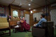 Его Святейшество Далай-лама дает интервью для немецкого телеканала ARD в своей резиденции в Дхарамсале. Дхарамсала, Индия. 25 августа 2017 г. Фото: Тензин Чойджор (офис ЕСДЛ)