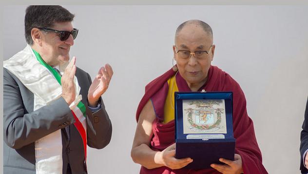 Далай-лама прочел публичную лекцию о мире на земле и дружбе народов в Таормине