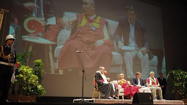 В Мессине Далай-лама прочел лекцию «Этика сострадания и взаимозависимость»