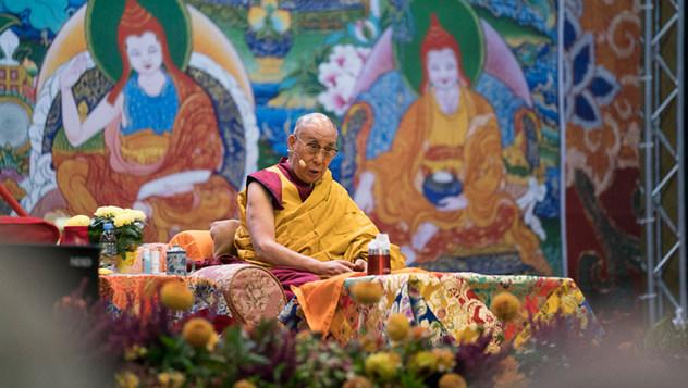 В Риге Далай-лама встретился с парламентариями прибалтийских государств и продолжил учения
