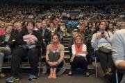 Некоторые из более 3000 слушателей, собравшихся на публичную лекцию Его Святейшества Далай-ламы в конференц-центре «Ярхундертхалле». Франкфурт, Германия. 13 сентября 2017 г. Фото: Тензин Чойджор (офис ЕСДЛ)