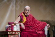 Его Святейшество Далай-лама отвечает на вопросы слушателей в ходе публичной лекции в конференц-центре «Ярхундертхалле». Франкфурт, Германия. 13 сентября 2017 г. Фото: Тензин Чойджор (офис ЕСДЛ)