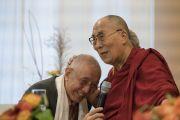 Его Святейшество Далай-лама и Дагьяб Ринпоче во время торжественного открытия нового Тибетского дома. Франкфурт, Германия. 14 сентября 2017 г. Фото: Тензин Чойджор (офис ЕСДЛ)