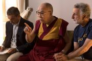 Его Святейшество Далай-лама проводит пресс-конференцию в своем отеле в Таормине. Таормина, Сицилия, Италия. 16 сентября 2017 г. Фото: Паоло Регис