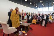 Дээрхийн Гэгээнтэн Далай Лам Латви дахь Төвөдийг дэмжигч нартай уулзаж байгаа нь. Латви, Рига. 2017.09.25. Гэрэл зургийг Тэнзин Чойжор (ДЛО)