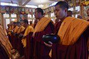 Фоторепортаж. Далай-лама провел в Дхарамсале церемонию дарования полных монашеских обетов
