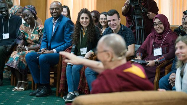 Диалог Далай-ламы с юными лидерами из зон конфликтов