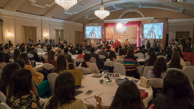 В Калькутте Далай-лама встретился с членами Индийской торговой палаты