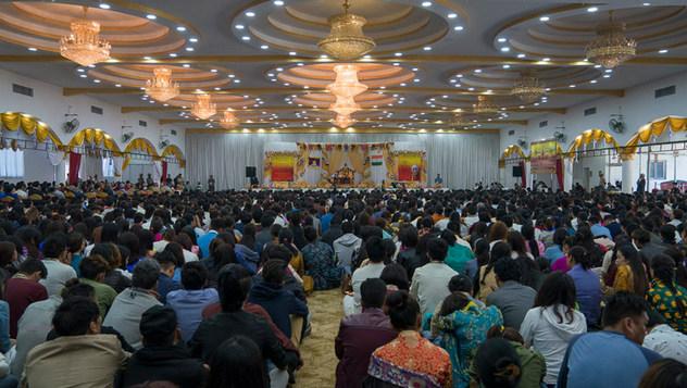 Далай-лама встретился с тибетцами и жителями Гималайского региона