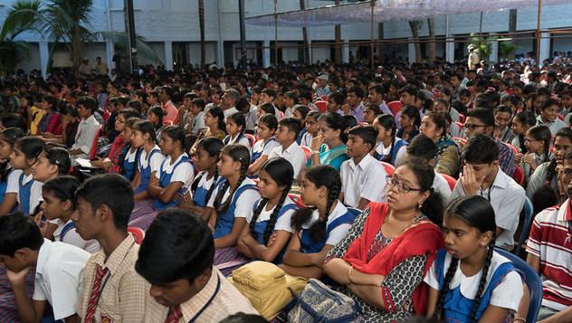 Далай-лама прочитал публичную лекцию о важности светской этики в Тумкурском университете
