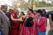 Его Святейшество Далай-лама прибывает в Правительственный колледж на ежегодную церемонию вручения наград. Дхарамсала, Индия. 5 декабря 2017 г. Фото: дост. Тензин Джампель.