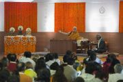 Его Святейшество Далай-лама дарует учения в образовательном комплексе «Сомайя Видьявихар». Мумбаи, штат Махараштра, Индия. 8 декабря 2017 г. Фото: Лобсанг Церинг.